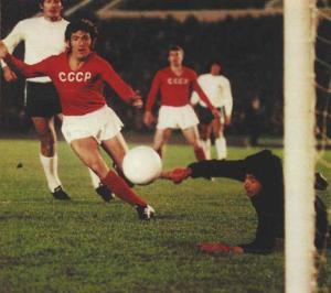 Una de las pocas fotos del partido URSS - Chile, en Moscú. Fuente: The Clinic