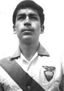 En su etapa de futbolista, con la camiseta de la Selecciòn. Copa América de 1967.
