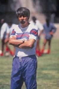 Héctor Morales, al frente de D. Quito (1991, archivo de El Comercio)
