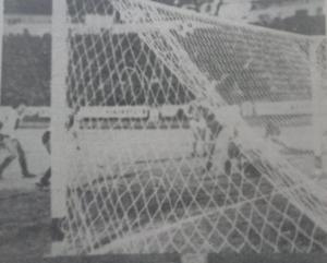 El gol de Jorge Luis Alarcon se gesta.