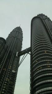 Las torres Petronas, 452 metros que te aplastan.